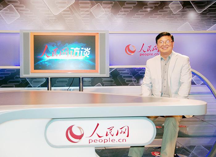 【组图】重庆日报报业集团总裁向泽映做客人民