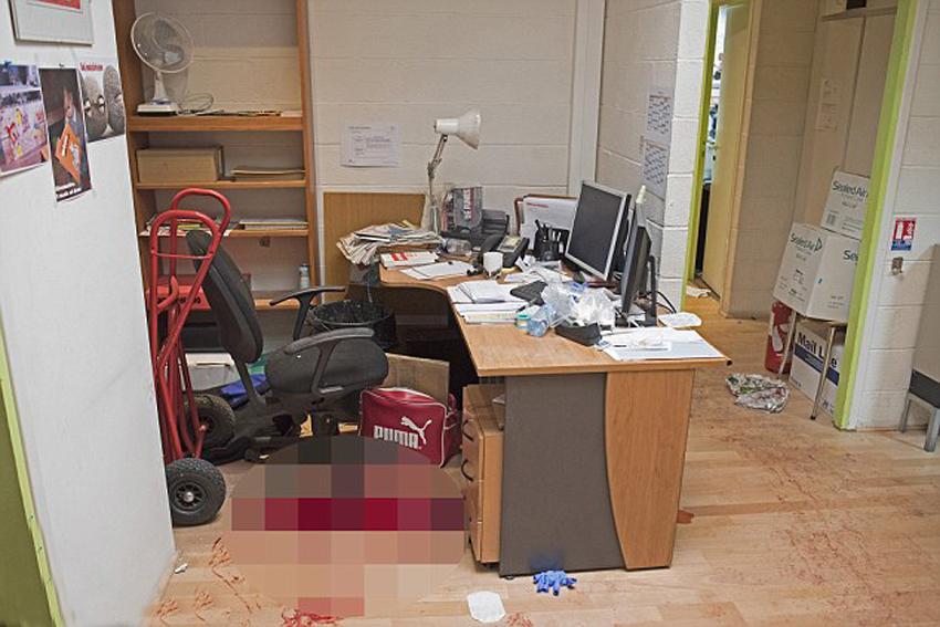 法杂志社遭袭办公室内部场景曝光