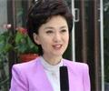 海霞:播音是最爱        主播海霞以端庄大气的播报风格深受观众喜爱,她的成长也与中国电视新闻的改革相伴……