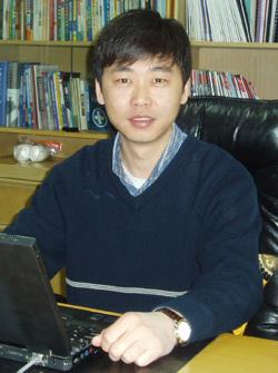 郑伟 北京方正阿帕比技术有限公司常务副总经理、北大方正电子出版社