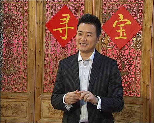 """李佳明/佳明正在""""寻宝""""的门口恭候下一位持宝人"""
